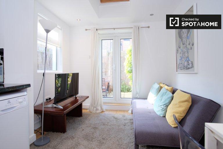 Apartamento moderno de 2 quartos para alugar em Battersea, Londres
