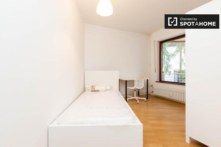 Chambre dans appartement de 3 pièces à Charlottenburg-Wilmersdorf