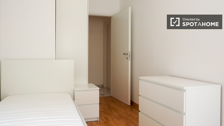Bedroom 4 with Single Bed