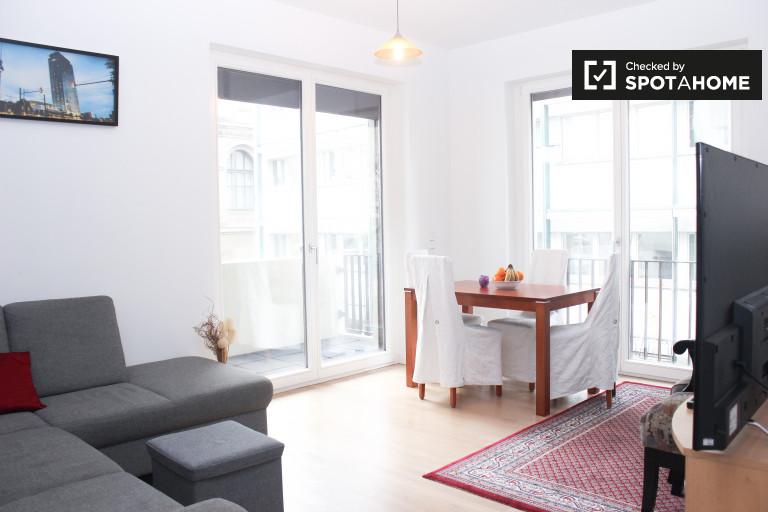 Apartamento de 2 quartos com varanda para alugar em Mitte, Berlim