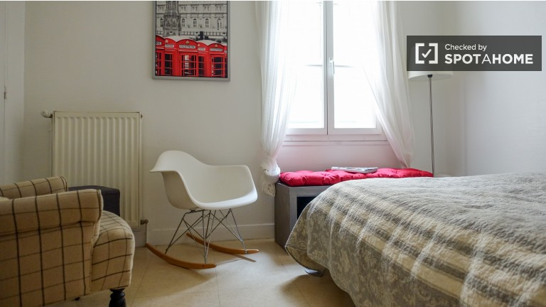 Bedroom 1 with double bed, couple-friendly