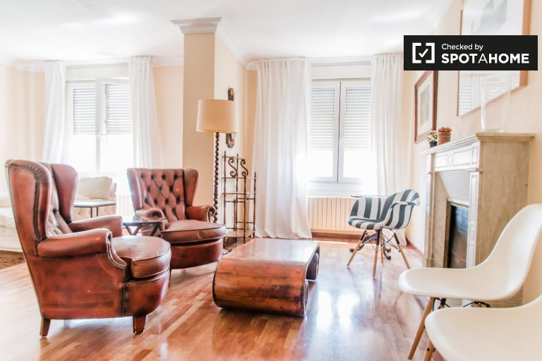 5-bedroom apartment for rent in Ciutat Vella, Valencia