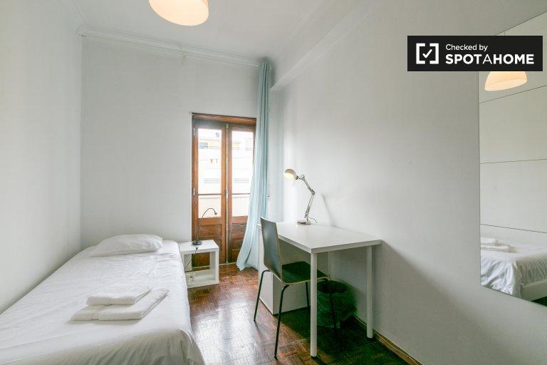 Costa da Caparica'da kiralık, tek yatak odalı, 4 yatak odalı daire