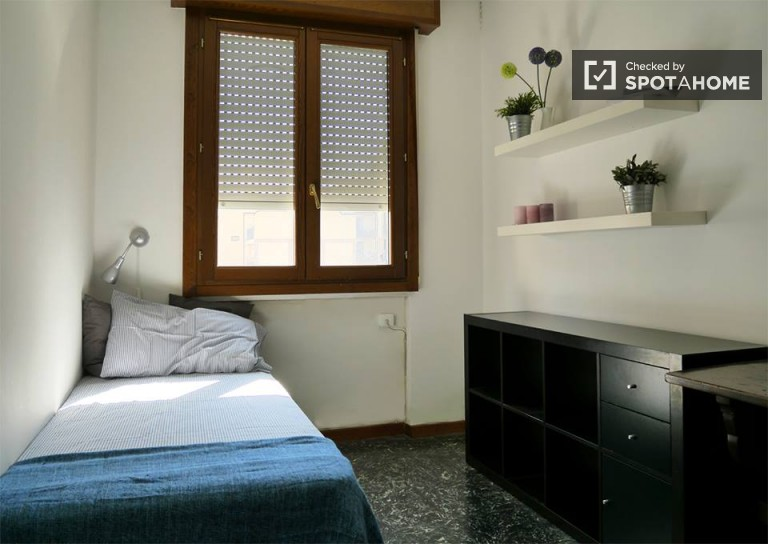 Furnished room in apartment in Città Studi, Milan