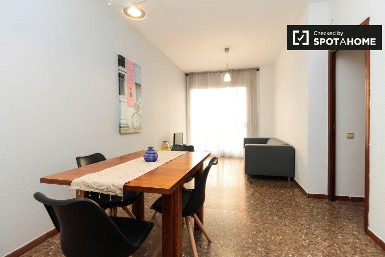 Apartamento simples de 3 quartos para alugar em Horta, Barcelona