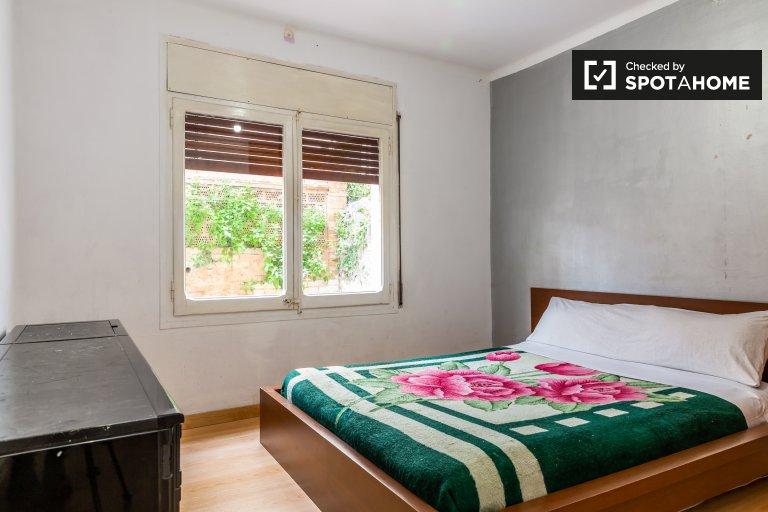 Helles Zimmer in 3-Zimmer-Wohnung in Gràcia, Barcelona