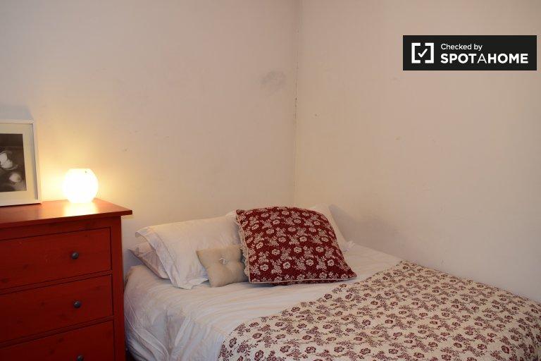 Quarto aconchegante para alugar em uma casa de 2 quartos em Ballinteer, Dublin