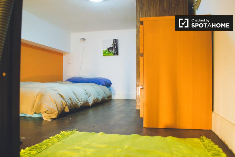 Studio apartment with AC for rent in Principe Pio, Madrid