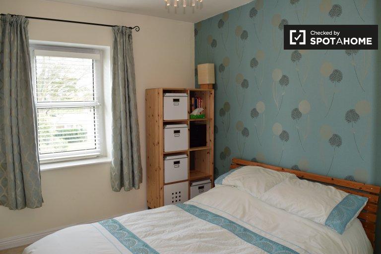 Quarto acolhedor em apartamento de 2 quartos em Portmarnock, Dublin