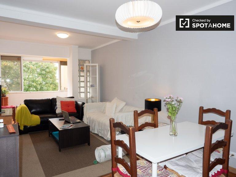 Cozy room for rent in Almada, Lisbon