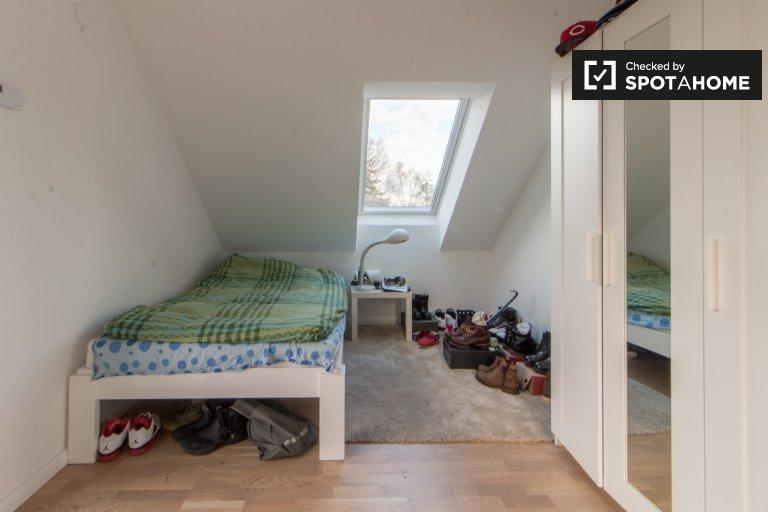 Pokój do wynajęcia w 3-pokojowym mieszkaniu w Lankwitz, Berlin