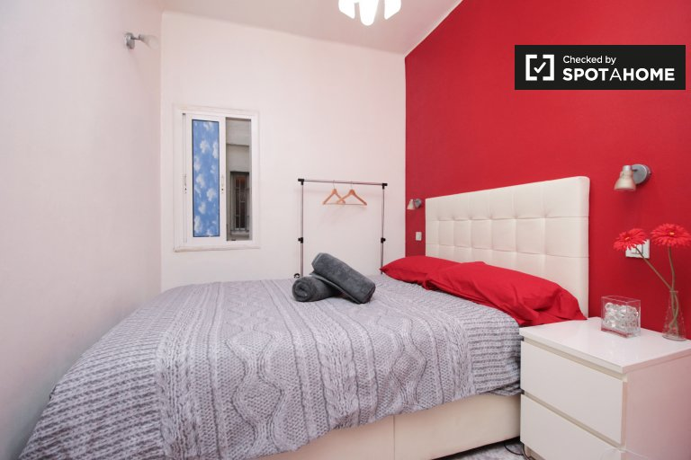 Chambre confortable dans un appartement de 3 chambres à Sant Andreu, Barcelone