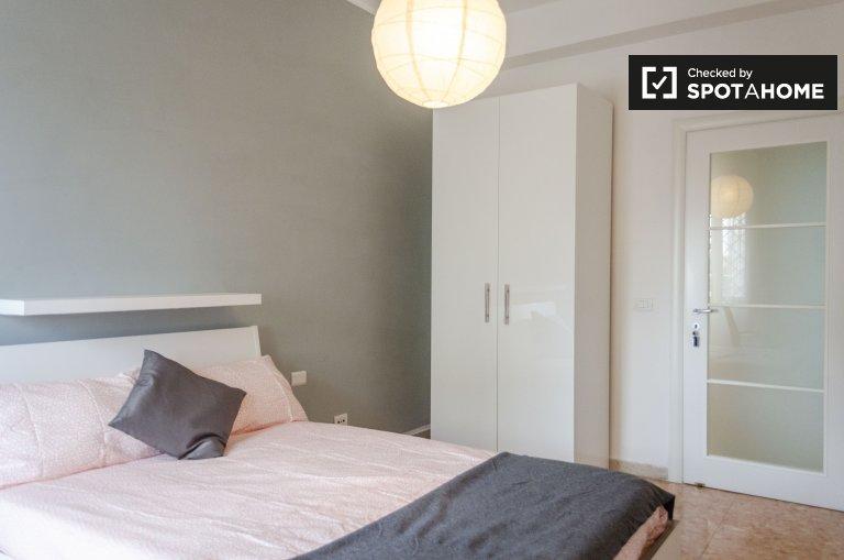 Stylowy pokój do wynajęcia w 5-apartament w Ostiense