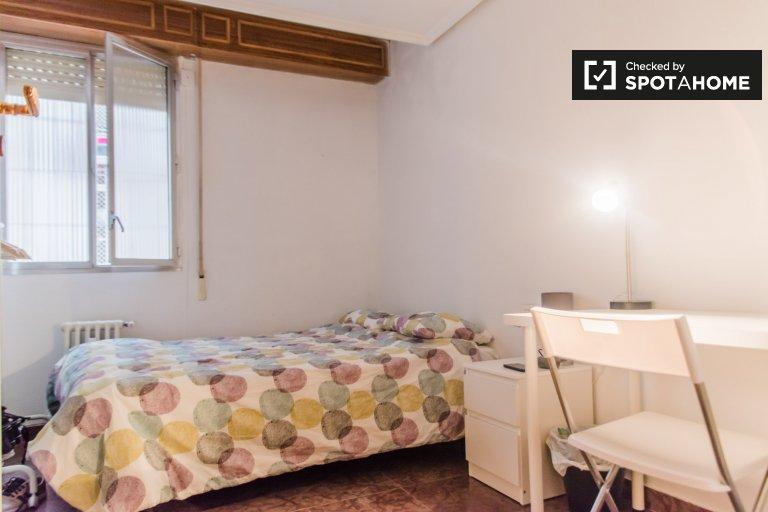 Habitación para alquilar, apartamento de 5 dormitorios, Extramurs, Valencia