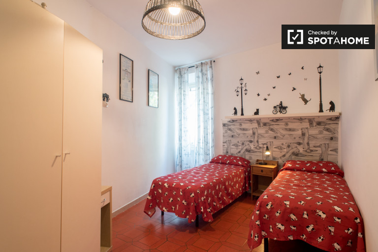 Lovely room for rent in 2-bedroom apartment in Garbatella