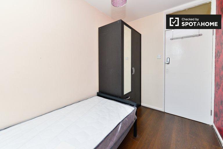 Quarto em apartamento de 4 quartos em Tower Hamlets, Londres