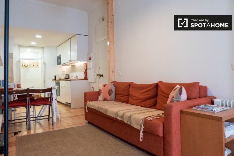 Apartamento luminoso para alugar em Penha de França, Lisboa