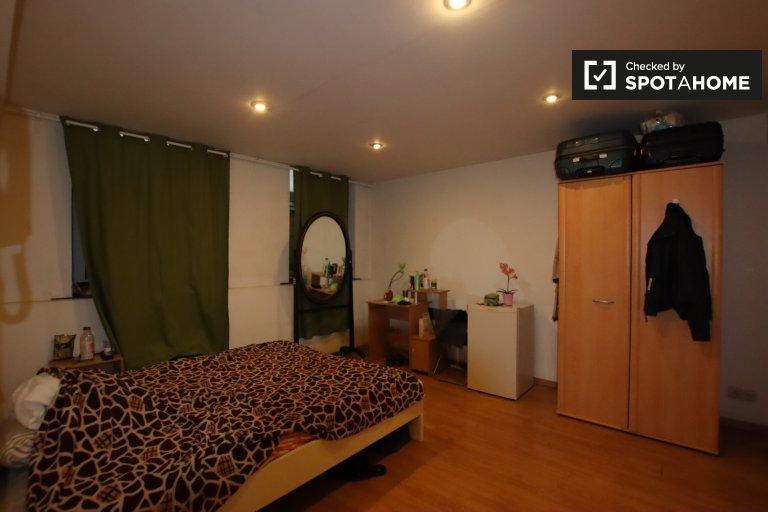 Estúdio para alugar em Residência em Saint Josse, Bruxelas