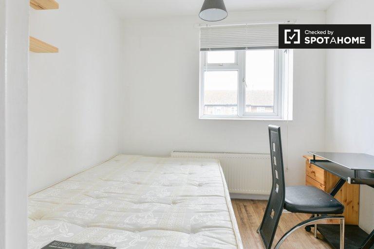 Zimmer zu vermieten in 5-Zimmer-Wohnung in Hackney, London