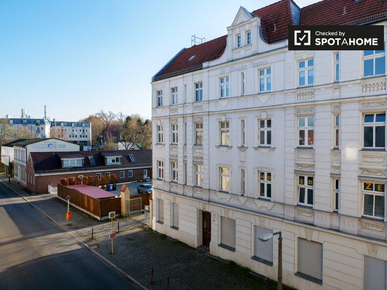 Nowoczesny pokój w 6-pokojowym apartamencie w Treptow-Köpenick