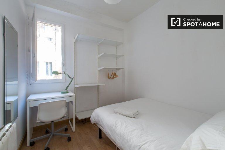 Eixample, Barcelona'da kiralık şirin oda