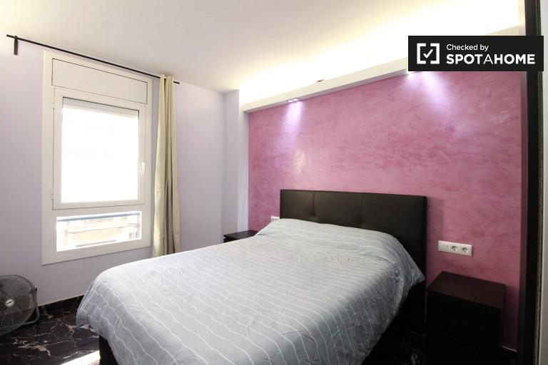 Sants, Barselona'daki 4 odalı daire mobilyalı oda