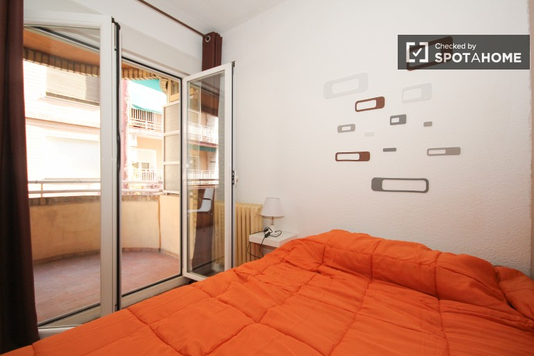 Decorated room in shared apartment in Ronda, Granada