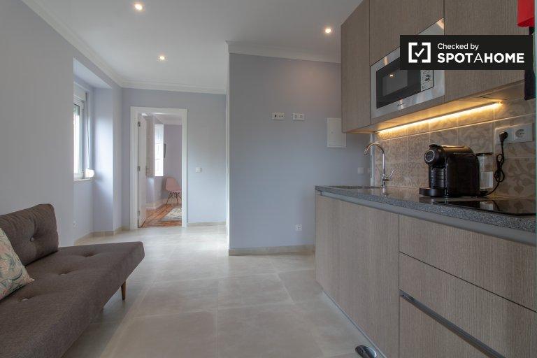 Appartamento con 1 camera da letto in affitto a Penha de França, Lisbona
