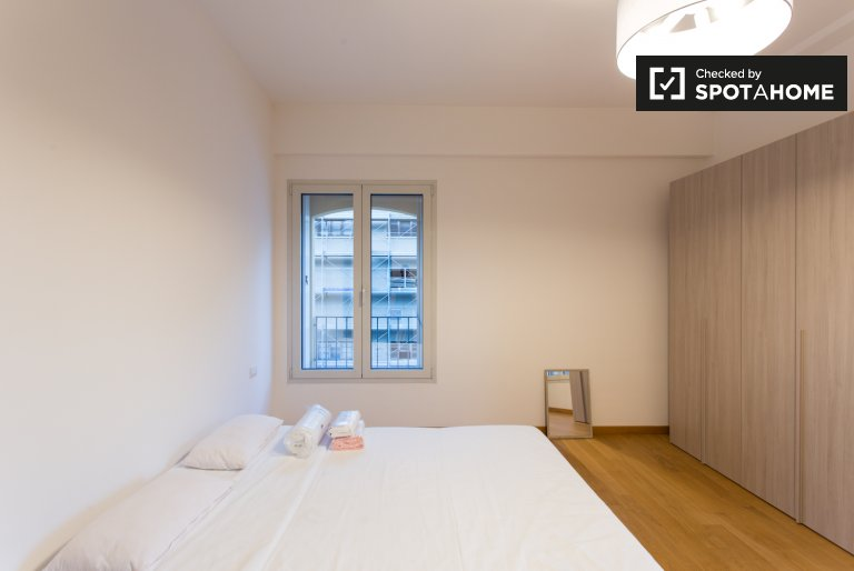 Large room in 3-bedroom apartment in Bicocca, Milan