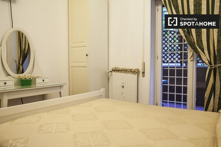 Habitación central en apartamento en Trastevere, Roma