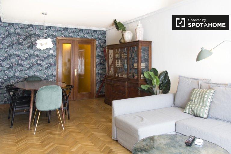 Apartamento de 2 quartos com ar condicionado para alugar em Imperial, Madrid
