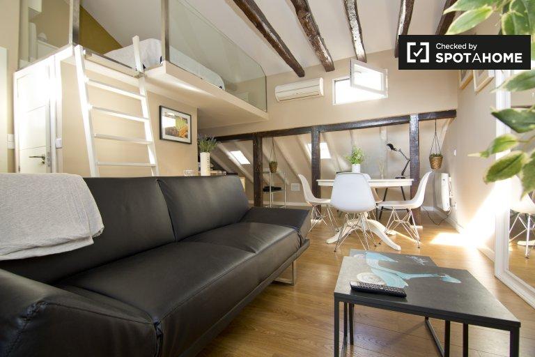 Elegante estudio en alquiler en Malasaña, Madrid