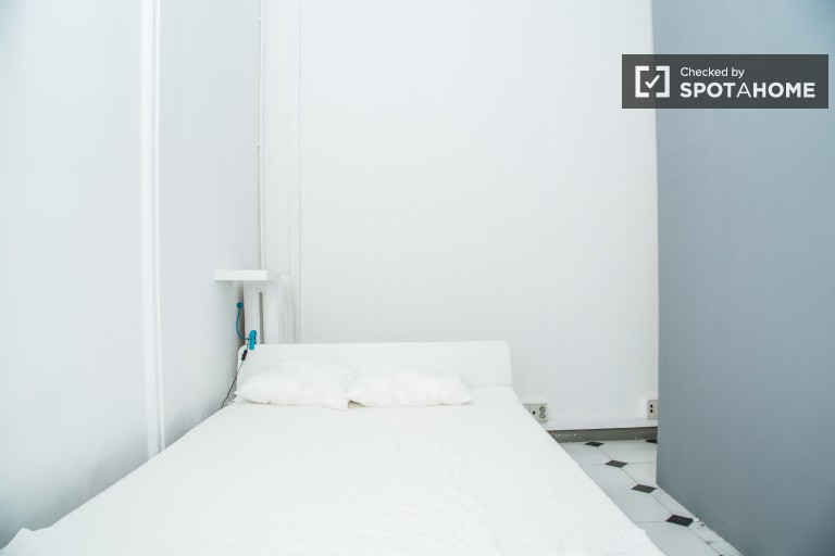 Decorated room in shared apartment in El Born, Barcelona