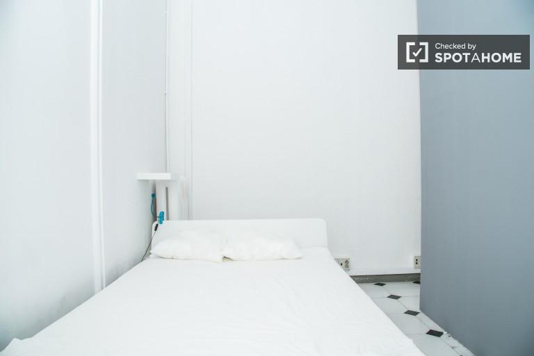 El Born'da paylaşımlı dairelerde dekore edilmiş oda, Barselona