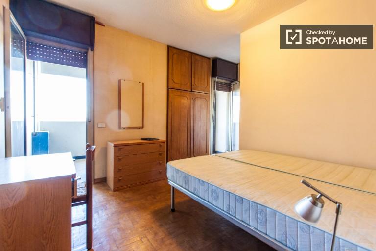 Spacieux studio avec grand balcon à louer à Rome