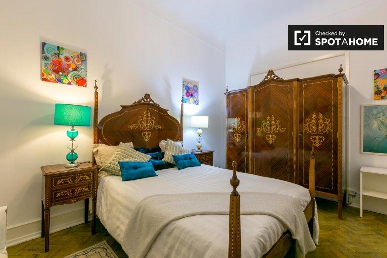 Grande appartamento con 3 camere da letto in affitto a Penha França, Lisbona