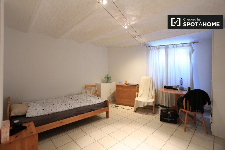 Studio appartement à louer dans le quartier européen, Bruxelles