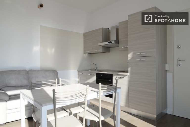 Luminous Flat with One Bedroom, Balcony, Utilities and Air Conditioning in Loreto district
