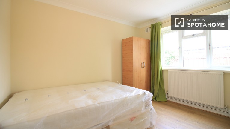 Bedroom 2 with Double Bed and Couple-Friendly
