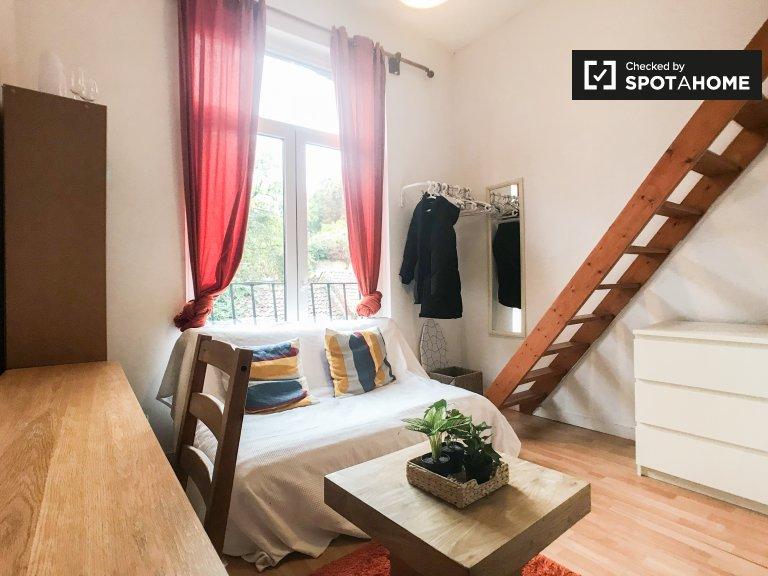 Appartement studio agréable à louer à Ixelles, Bruxelles
