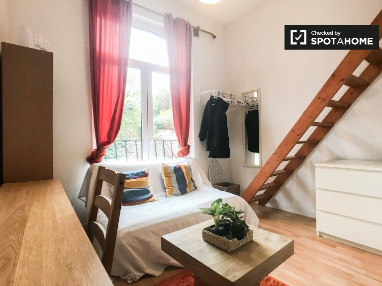 Cosy studio apartment for rent in Ixelles, Brussels
