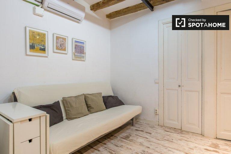 El Born, Barcelona'da kiralık şirin 2 odalı daire