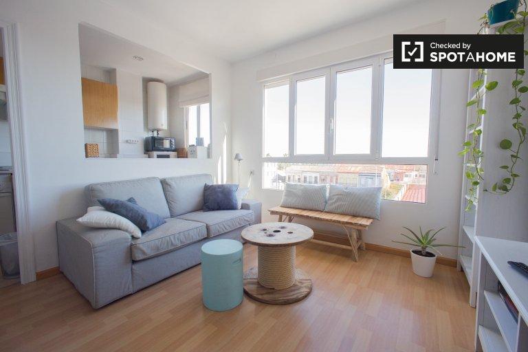 Acogedor apartamento de 3 dormitorios en Poblats Marítims, Valencia