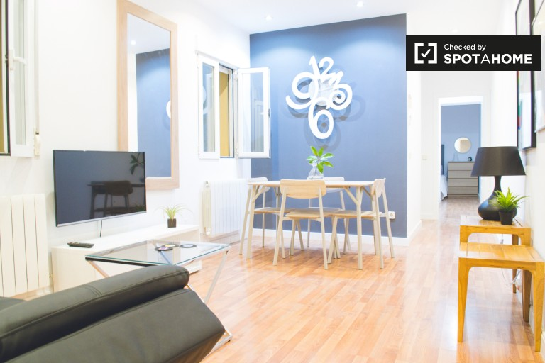Modern 2-bedroom apartment for rent in Madrid City Center