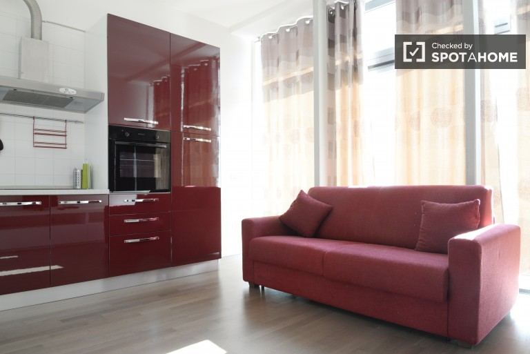 Modern 1 bedroom apartment in Loreto with utilities included