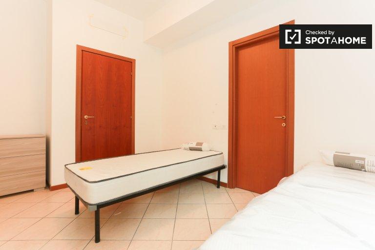 Posto letto in affitto, appartamento con 4 camere da letto, Sesto San Giovanni
