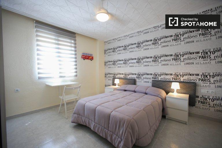 Chambre ensoleillée à louer à Poblats Marítims, Valence