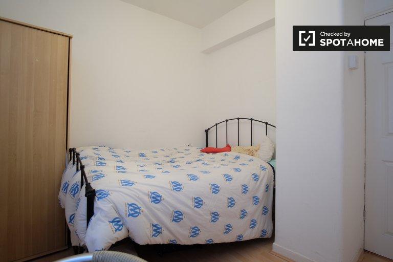 Möbliertes Zimmer in 4-Zimmer-Wohnung in Greenwich, London