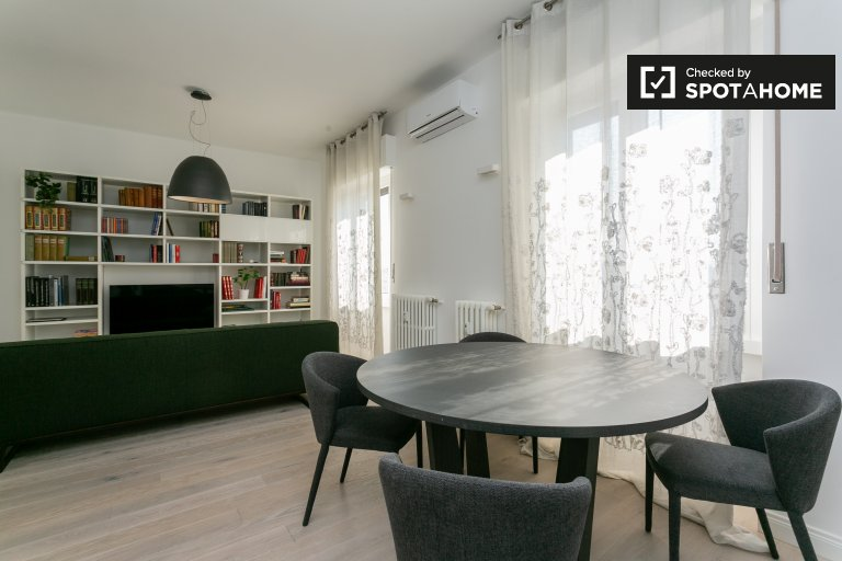 Sunny 2-bedroom apartment for rent in Città Studi, Milan
