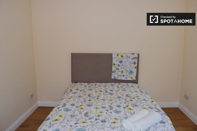 Sonniges Zimmer zu vermieten in Tyrrelstown, Dublin